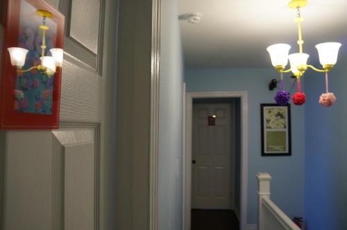 Locarno Hostel - Toronto, ON M5V 2Z6