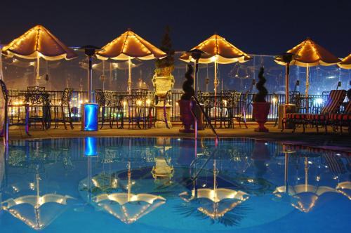 Market Pavilion Hotel Photo