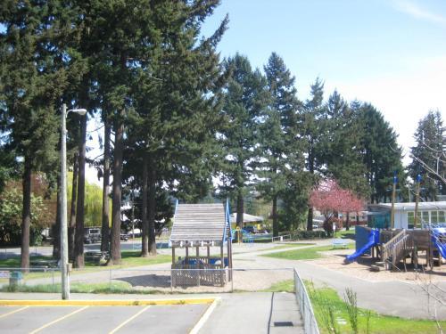 Departure Bay Motel - Nanaimo, BC V9S 3Y9
