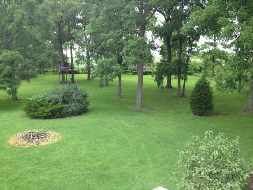 Apartment On The Apple Farm - Tillsonburg, ON N4G 4G8