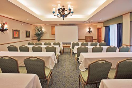 Sunset Palms Inn & Suites - Kissimmee, FL 34746