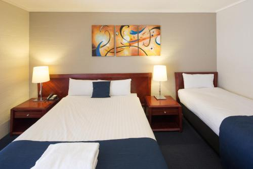 ibis Styles Canberra photo 41