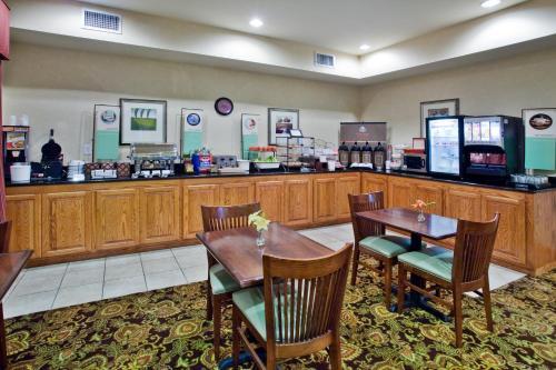 Country Inn & Suites By Radisson Albany Ga - Albany, GA 31707
