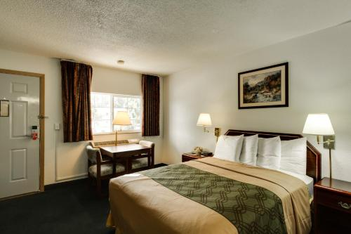 Econo Lodge & Suites Spokane Photo