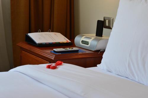Sol de Oro Hotel & Suites Photo