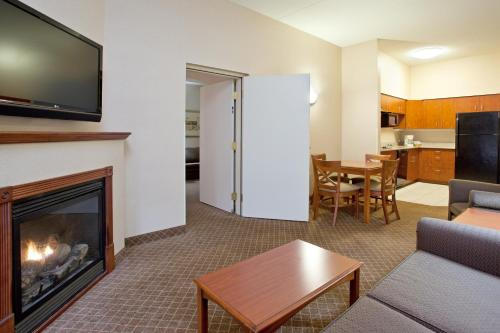 Holiday Inn Express Hotel And Suites Erie - Erie, PA 16509