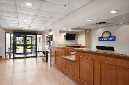 Days Inn Jacksonville Airport Photo