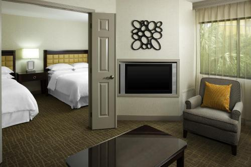 Sheraton Suites Orlando Airport Hotel photo 7