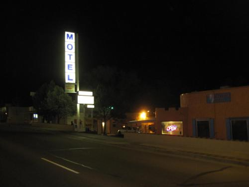 True North Motel - Colorado Springs, CO 80909