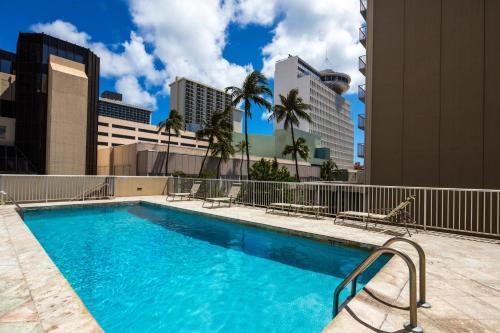 Tropical Studios At Marine Surf Waikiki - Honolulu, HI 96815