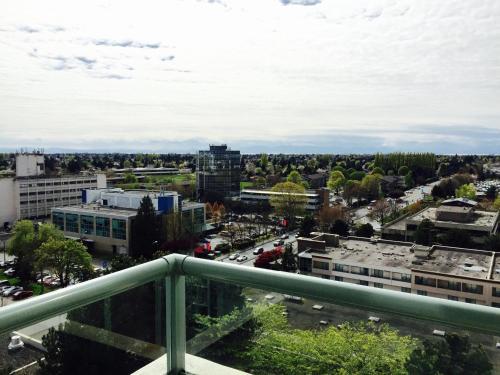Vancouver Airport Condos - Richmond, BC V6X 4C6