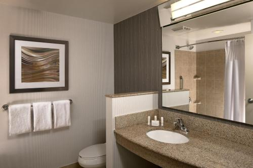 Courtyard By Marriott Hartford-farmington - Farmington, CT 06032