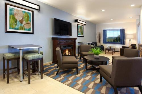 Microtel Inn & Suites By Wyndham Waynesburg - Waynesburg, PA 15370
