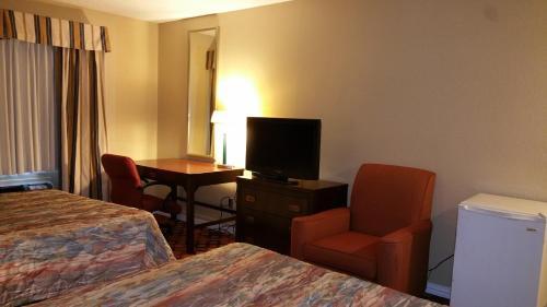 Executive Inn And Suites Waxahachie - Waxahachie, TX 75165