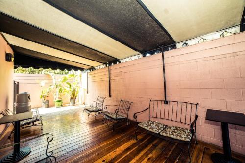 Hollywood Sunshine Apartment - Los Angeles, CA 90028