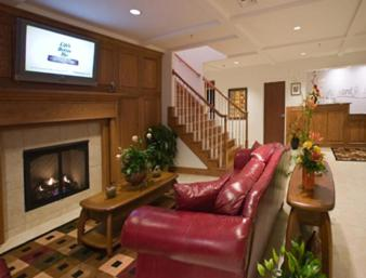 Howard Johnson Hotel By Wyndham Spring City - Spring City, TN 37381