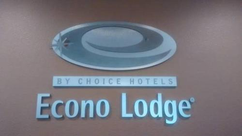 Econo Lodge Yankton Photo