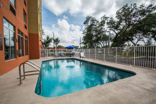 Comfort Suites Fort Lauderdale Airport South & Cruise Port Photo