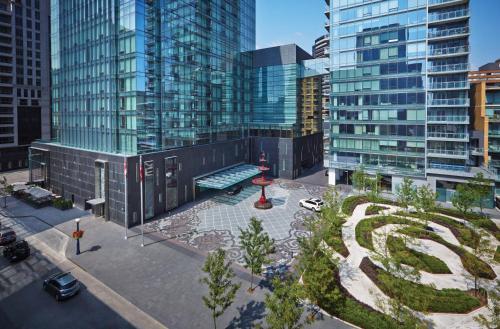 Four Seasons Toronto At Yorkville - Toronto, ON M4Q 0A4