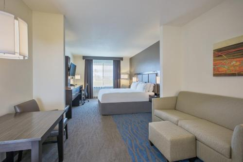 Holiday Inn Express & Suites Kailua-kona - Kailua Kona, HI 96740