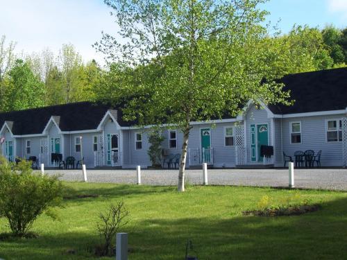 Homeport Motel Photo