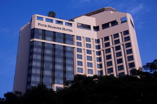 Four Seasons Hotel Singapore photo 6