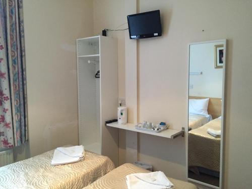 Romanos Hotel photo 18