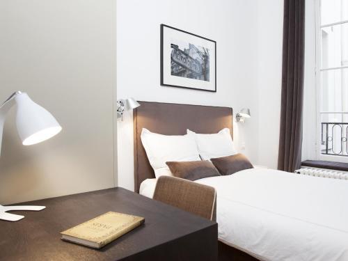 Luxury 2 Bedroom Le Marais photo 8
