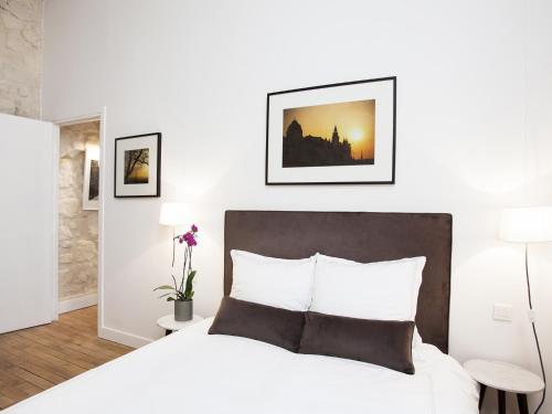 Luxury 2 Bedroom Le Marais photo 11