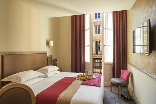 4 Rue Mautrec and 11 Rue Martignac, 33000, Bordeaux, France.