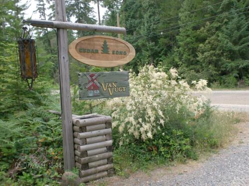 Cedar Song B&b - Parksville, BC V0R 1V0