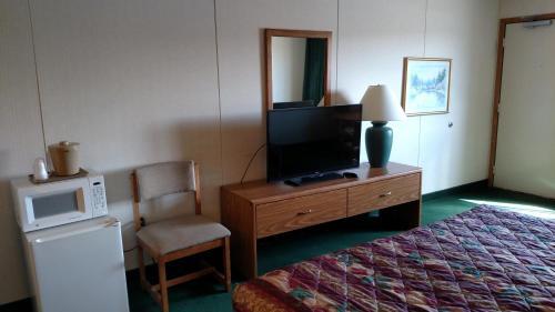Beartooth Inn Photo