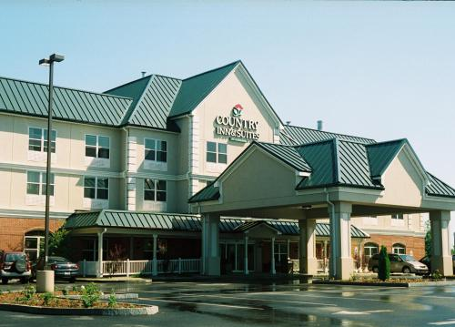 Country Inn & Suites Brockton
