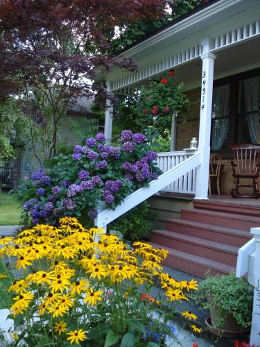 Clayburn Village Bed And Breakfast - Abbotsford, BC V2S 7Y9