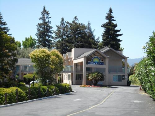 Days Inn Redwood City Photo