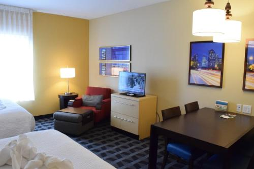 TownePlace Suites by Marriott Houston Westchase photo 24