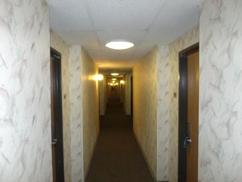 Knights Inn Davenport - Davenport, IA 52806