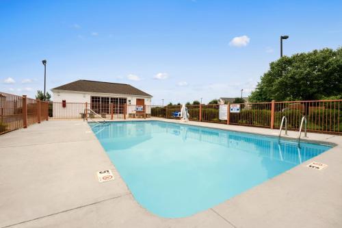 Super 8 Motel Garner/Clayton/Raleigh Area