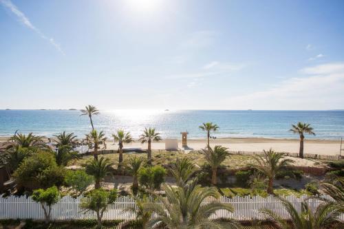 Playa d'en Bossa, s/n, Playa d'en Bossa 07817, Ibiza, Spain.