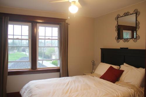 Eastwood Tourist Lodge - Niagara Falls, ON L2E 1A8