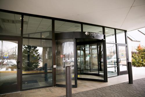 DoubleTree by Hilton Minneapolis Park Place Photo