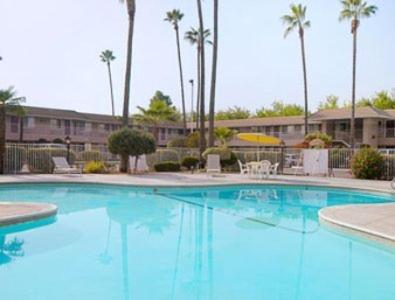 Days Inn Fresno Photo