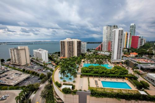 Fortune House Hotel Suites - Miami, FL 33131