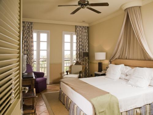 Gran Hotel Bahía Del Duque Resort - 17 of 51