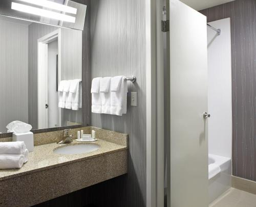 Courtyard By Marriott State College - State College, PA 16801