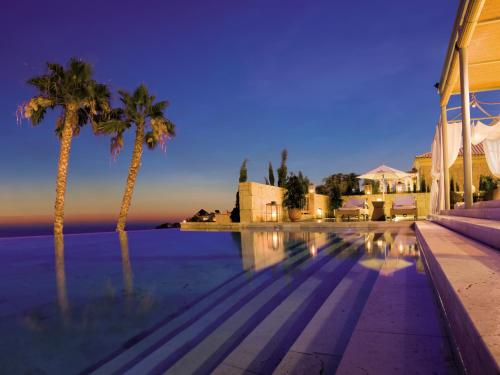 Gran Hotel Bahía Del Duque Resort - 32 of 51