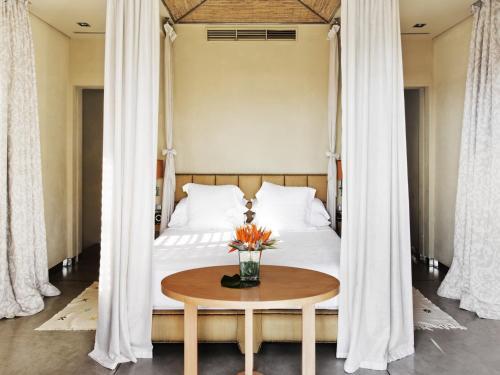 Gran Hotel Bahía Del Duque Resort - 13 of 51