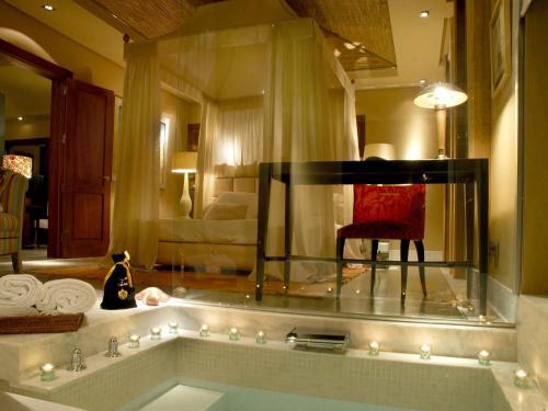 Gran Hotel Bahía Del Duque Resort - 14 of 51