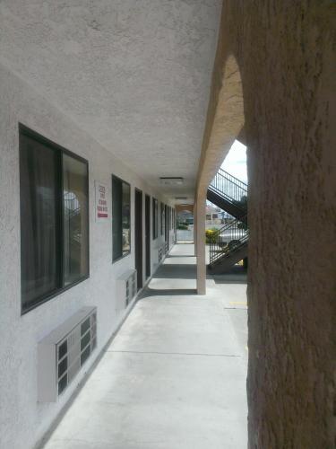 Days Inn East Kingman Photo