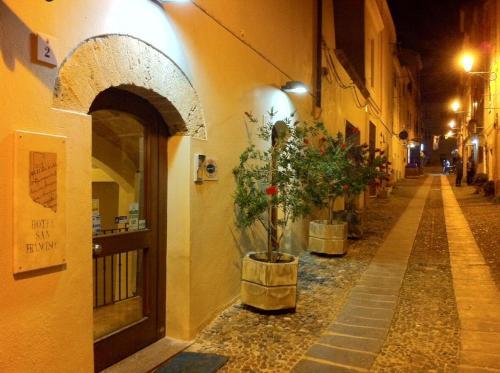 Via Ambrogio Machin 2, Alghero, 07041, Sardinia, Italy.